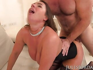 Sexy Suzi Smothers Manuel With Her Giant Tits blowjob tukif anal
