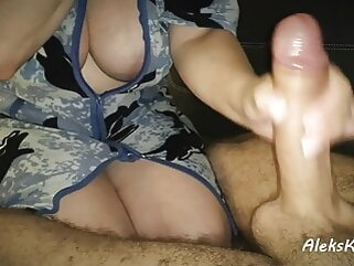 deep blowjob in the kitchen and handjob to orgasm close-up tukif amateur