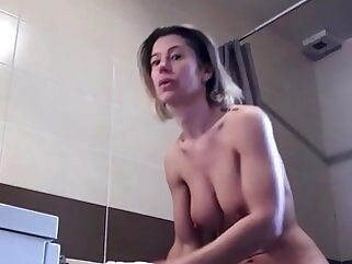 Hidden Cam. Hot Body Milf takes a Shower shower tukif amateur