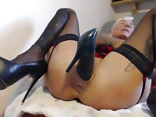 Gothic Girl inserts heeled shoes in her holes (Web) blonde tukif anal