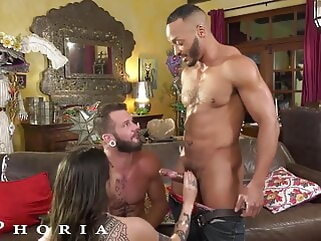 BiPhoria, Lucky Delivery Guy Seduced By Horny Married Couple blowjob tukif anal