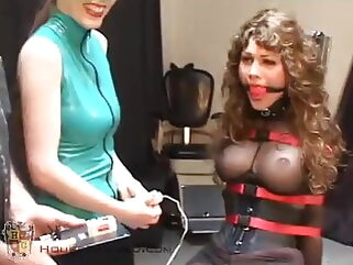 Brunette Doesn't Want to Get Off of the Fuck Chair fucking machine tukif bdsm